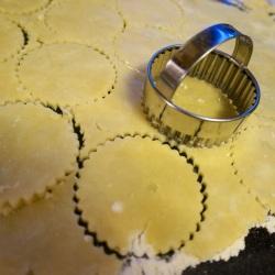 Circles to line the cupcake tins