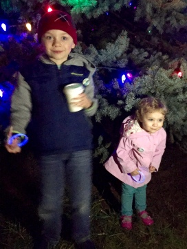 Hot chocolate and a giant tree.